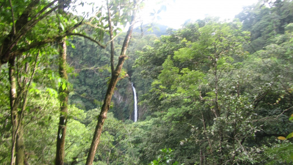 The waterfall at Volcan Arenal