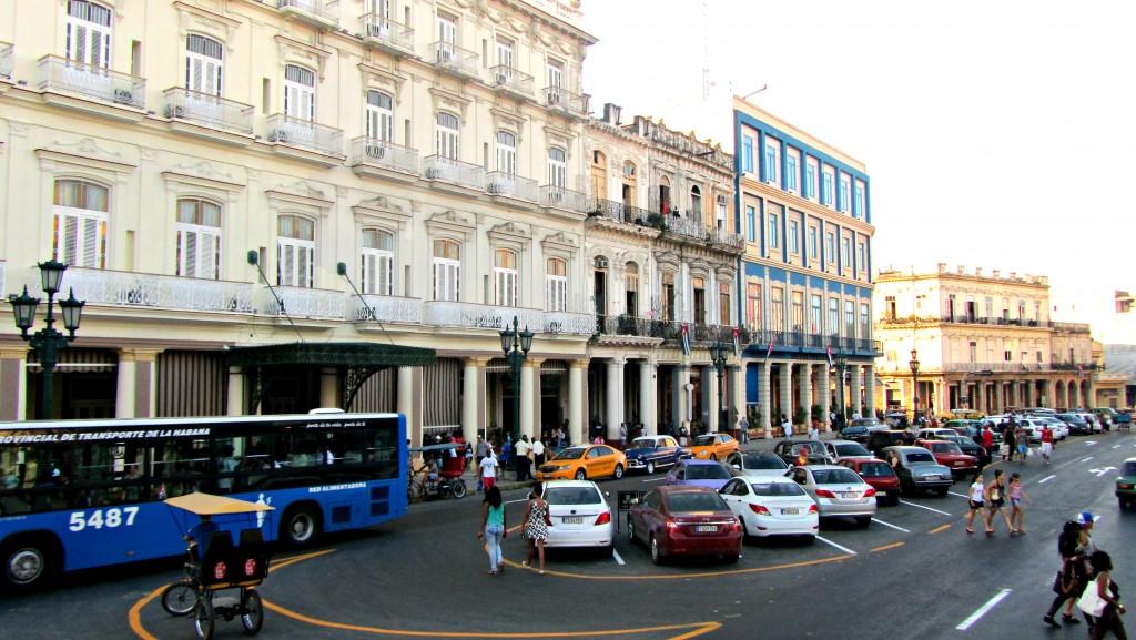 Line of hotels, Havana